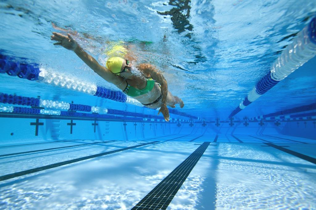 Swimming Pool Training : Swim team atomica